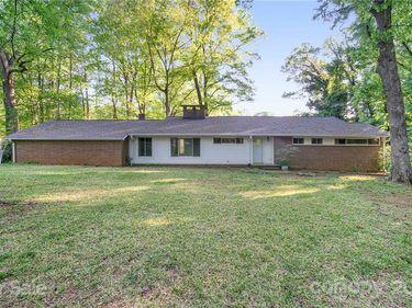 1040 Cedarwood Lane, Charlotte, NC, 28212,