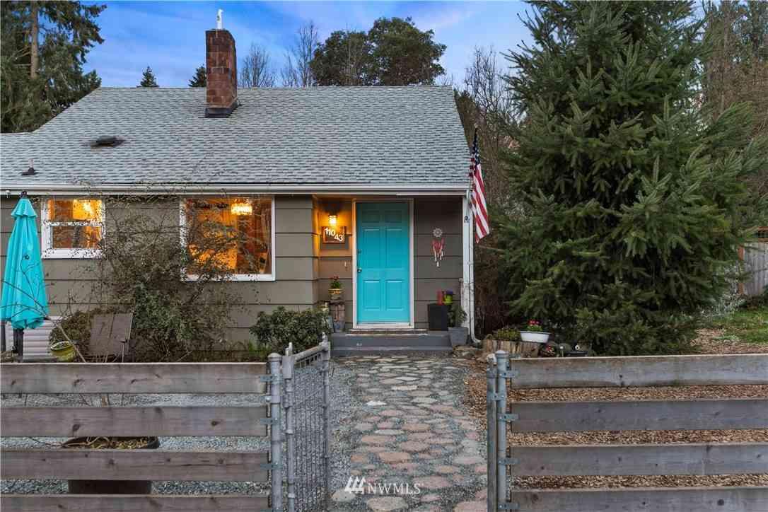 11043 Goodwin Way NE, Seattle, WA, 98125,