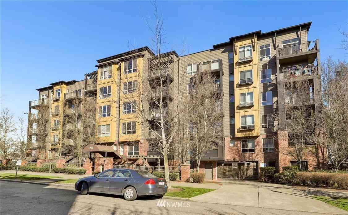 412 11th Avenue #405, Seattle, WA, 98122,