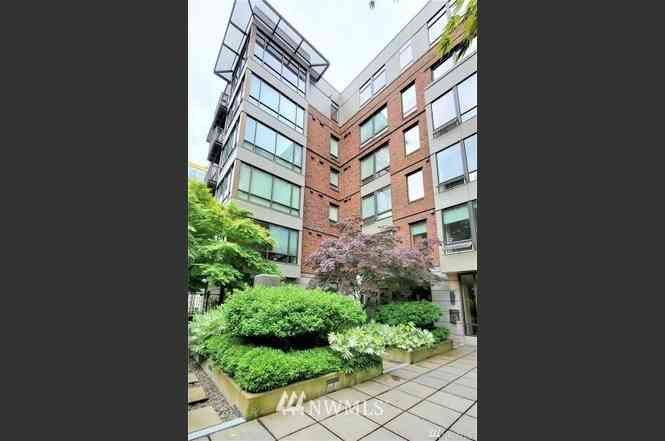 4547 8th Avenue NE #408, Seattle, WA, 98105,