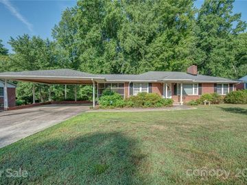 403 Pine Grove Avenue, Cherryville, NC, 28021,