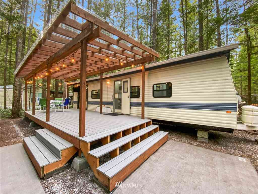 297 Schinn Canyon Road, Deming, WA, 98244,