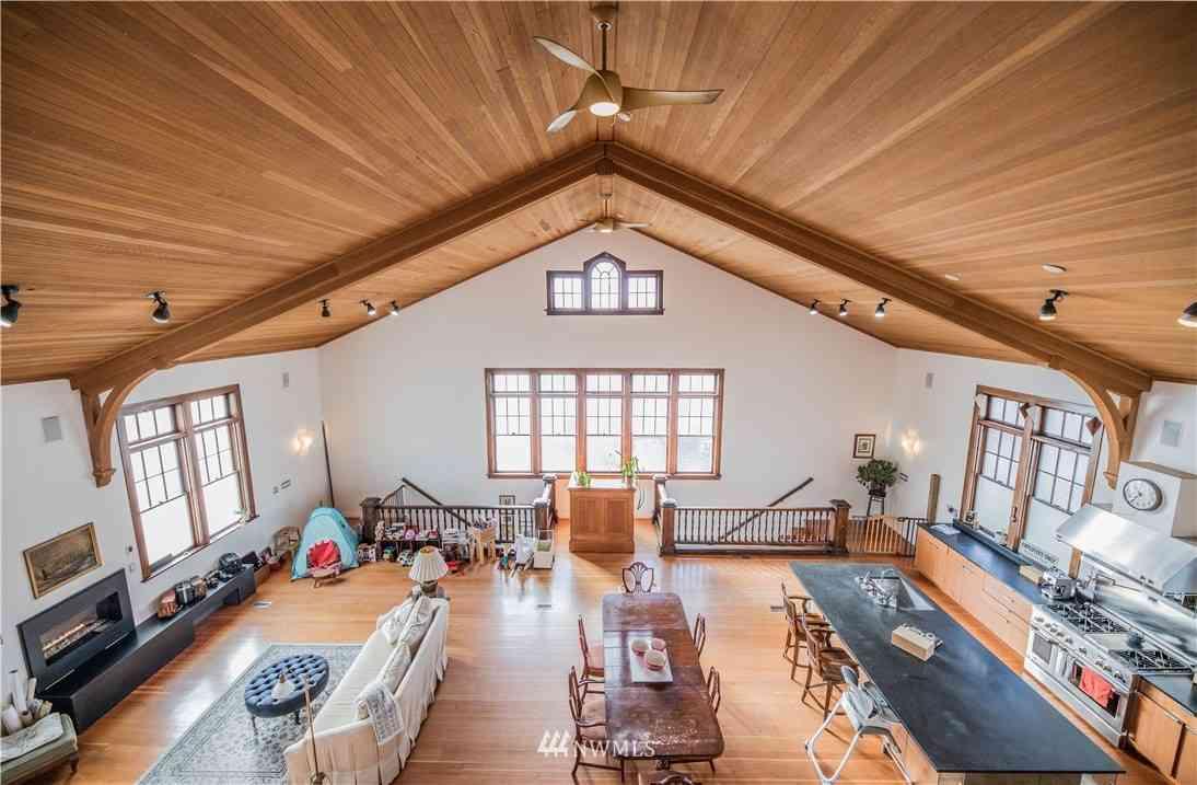 Sunny Living Room, 1709 23rd Street, Everett, WA, 98201,