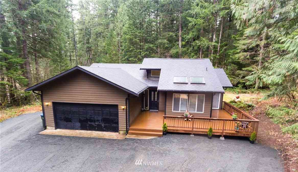 141 Richer Drive, Packwood, WA, 98361,