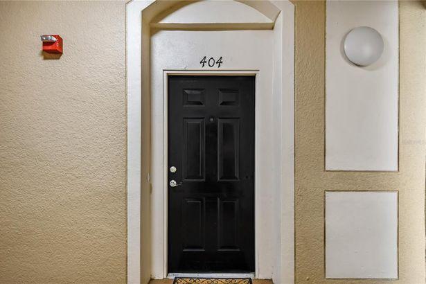 2484 SAN TECLA STREET #404