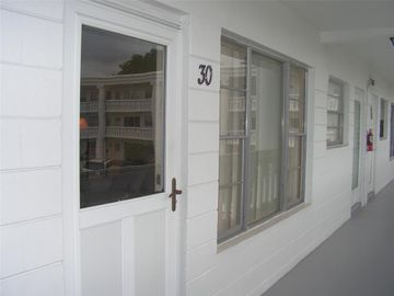 2454 AUSTRALIA WAY E #30, Clearwater, FL, 33763,