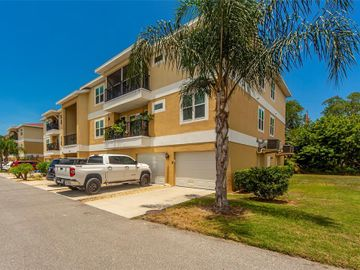 5111 ROYAL PALMS WAY #304, New Port Richey, FL, 34652,