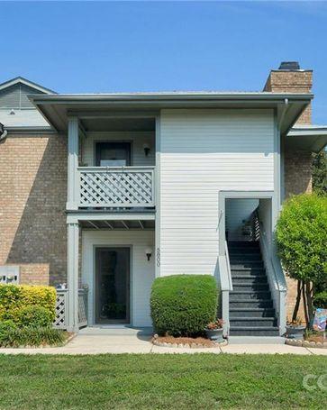 5808 Harris Grove Lane Charlotte, NC, 28212