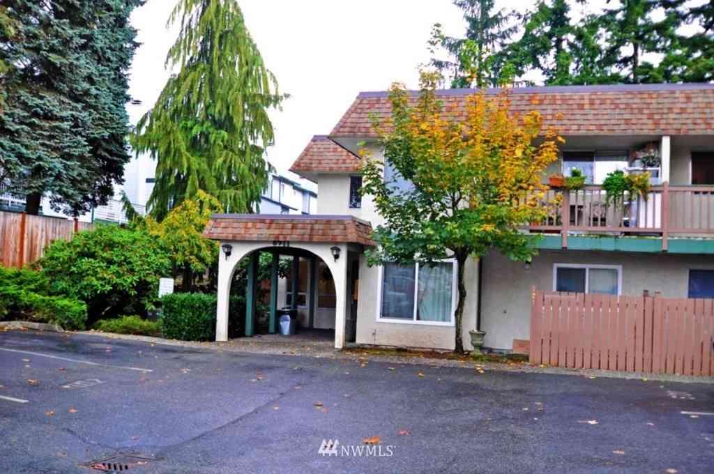 8911 Holly Drive #110, Everett, WA, 98208,