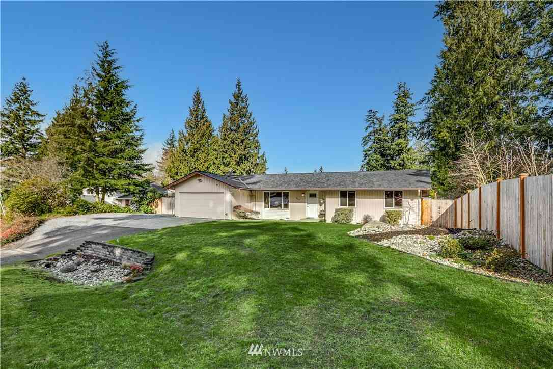 8110 Upper Ridge Road, Everett, WA, 98203,