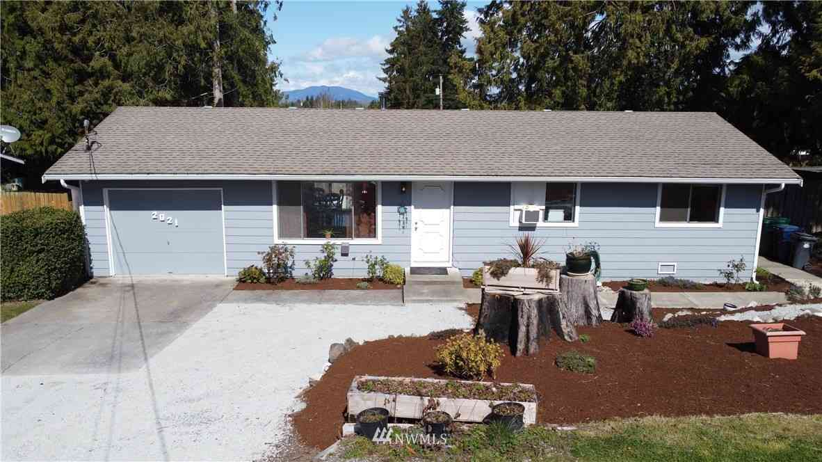 2021 E Highland Avenue, Mount Vernon, WA, 98273,