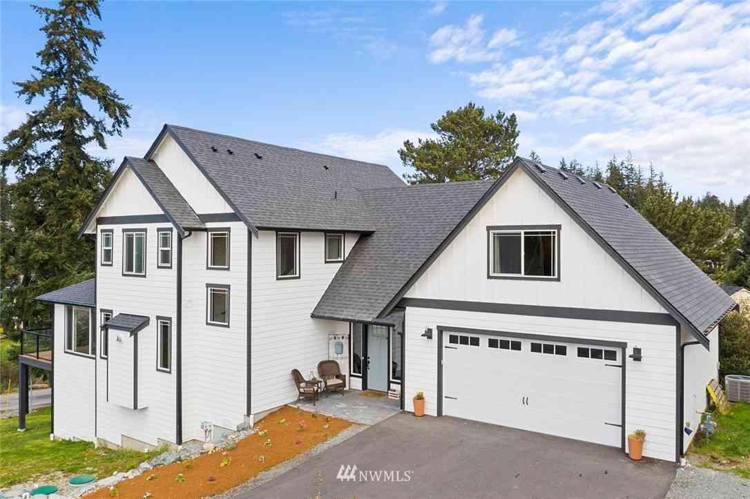 348 Lochwood Drive, Camano Island, WA, 98282,