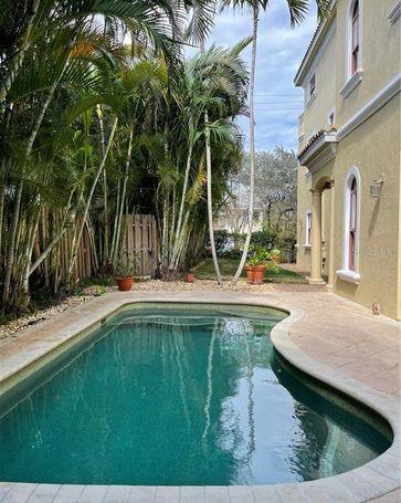1734 NE 7 STREET Fort Lauderdale, FL, 33304