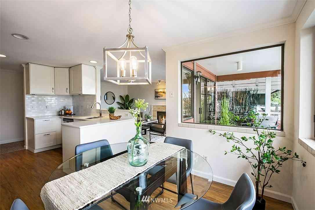 2028 Waverly Place N #202, Seattle, WA, 98109,