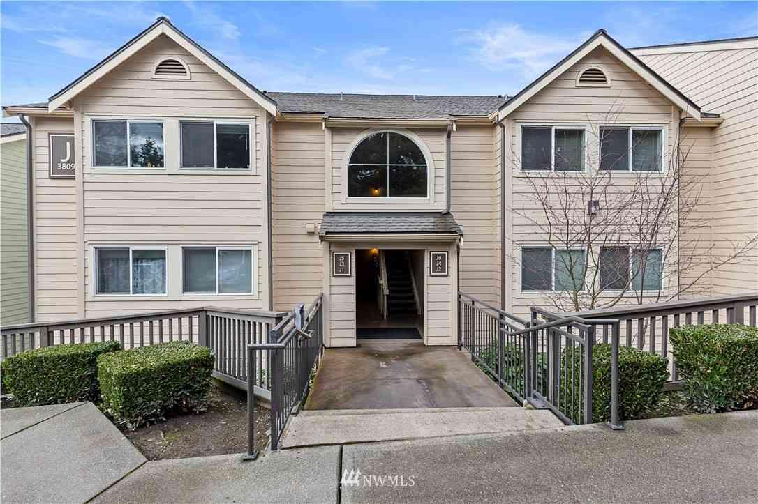 3809 131st Lane SE #J4, Bellevue, WA, 98006,