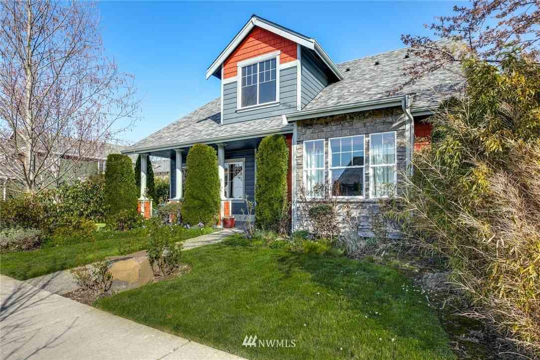 405 Bondgard Avenue E, Enumclaw, WA, 98022,