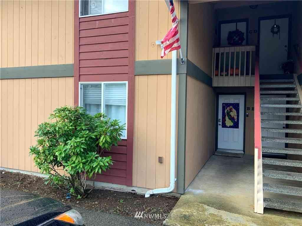 10214 13th Avenue Ct E #B, Tacoma, WA, 98445,