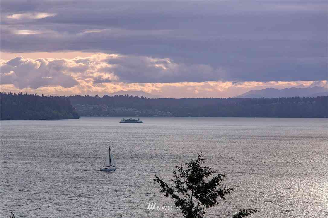 5814 Overlook Avenue NE, Tacoma, WA, 98422,
