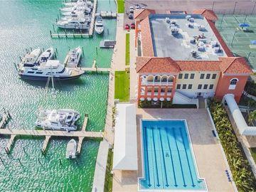 400 TREASURE ISLAND CAUSEWAY, Treasure Island, FL, 33706,