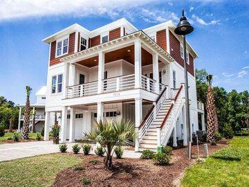 762 SEMINOLE BOULEVARD, Tarpon Springs, FL, 34689,