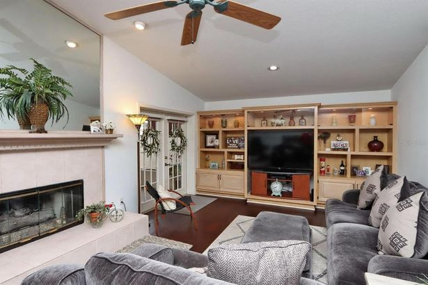 11418 LINARBOR PLACE