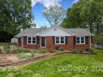 413 Newburg Lane, Matthews, NC, 28105,