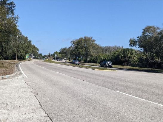 unknown COUNTRYWAY BOULEVARD