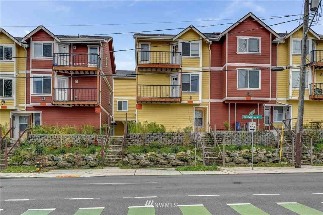 5726 Roosevelt Way NE, Seattle, WA, 98105,