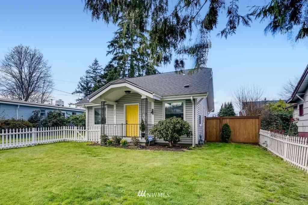 8437 22nd Avenue SW, Seattle, WA, 98106,