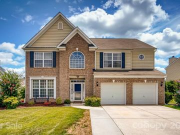 5847 Crimson Oak Court, Harrisburg, NC, 28075,