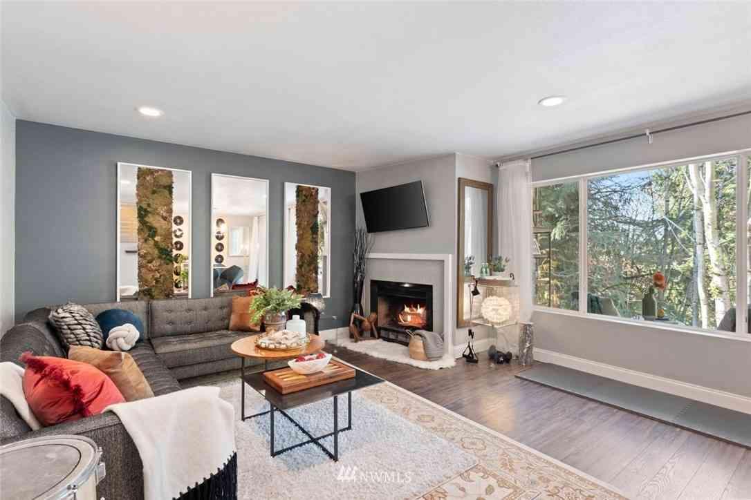 10505 SE Cliff Place #F, Bellevue, WA, 98004,