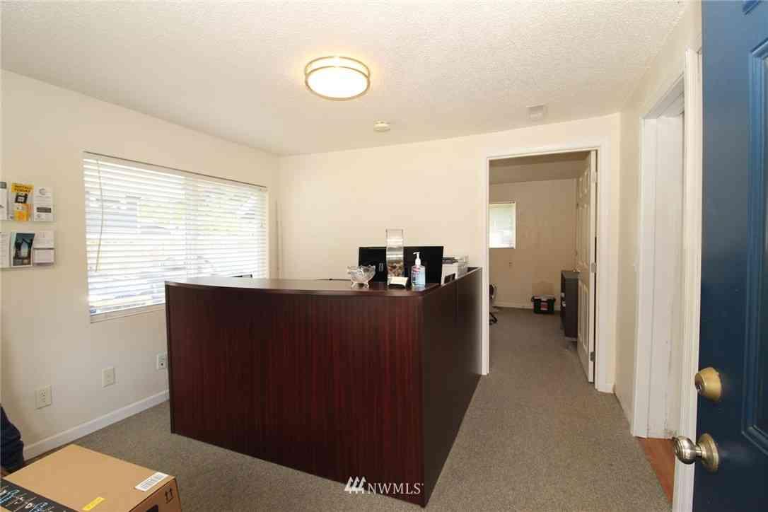 536 Wells Avenue S, Renton, WA, 98057,