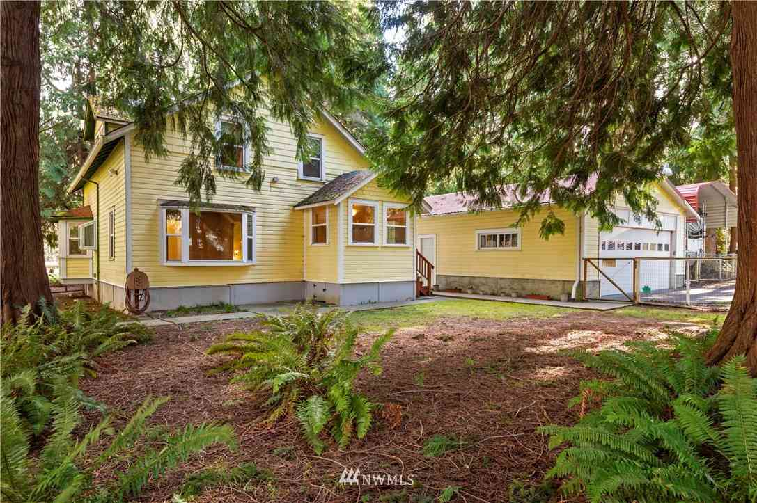 2906 Northlake Way NW, Bremerton, WA, 98312,