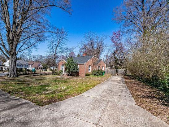 1151 Woodside Avenue