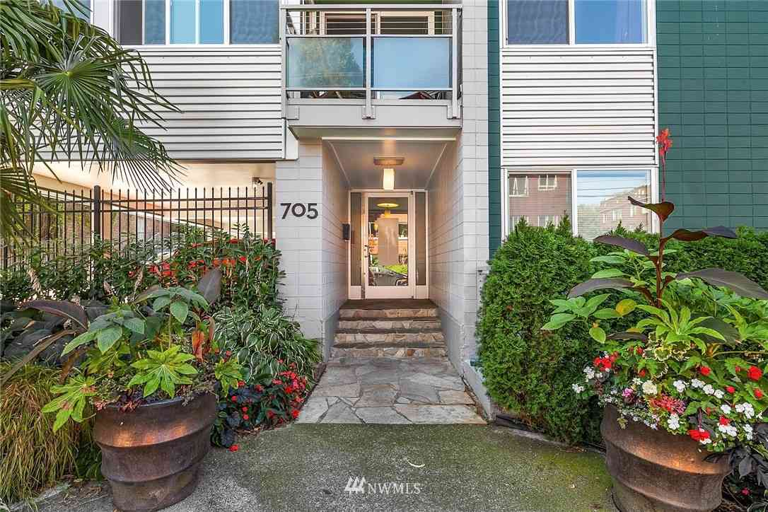 705 E Republican Street #207, Seattle, WA, 98102,