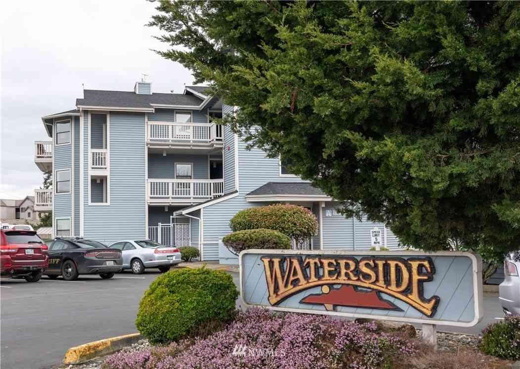 651 SE Bayshore Drive #A201, Oak Harbor, WA, 98277,
