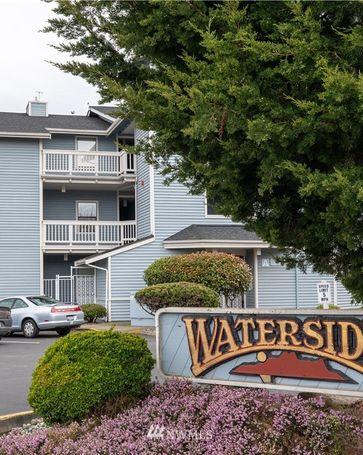 651 SE Bayshore Drive #A201 Oak Harbor, WA, 98277