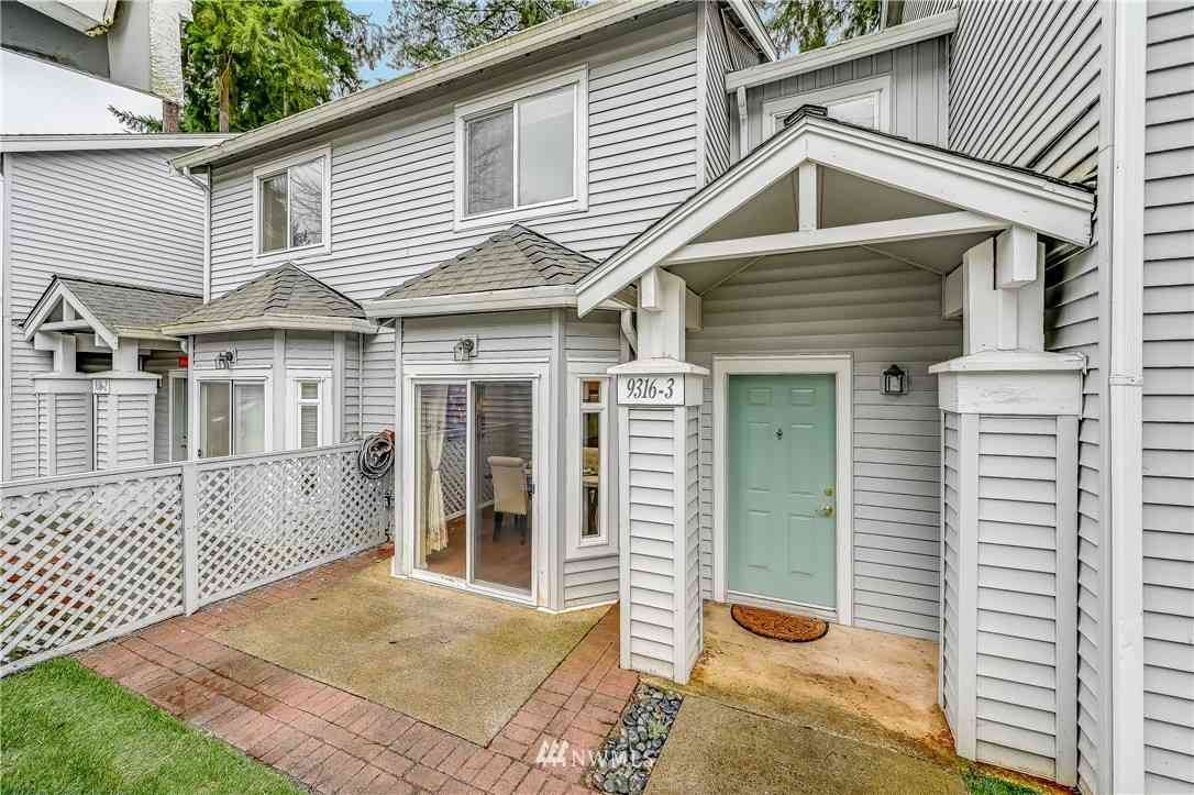 9316 178th Place NE #3, Redmond, WA, 98052,