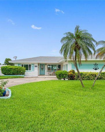 11105 6TH STREET E Treasure Island, FL, 33706