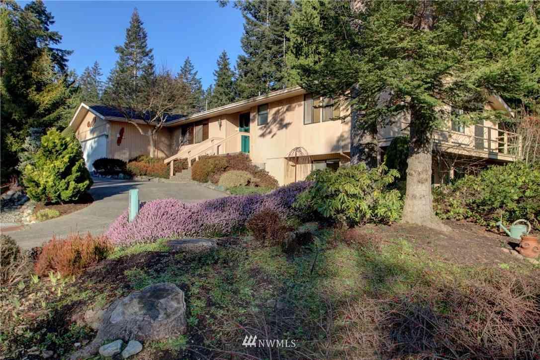 379 Snohomish Drive, La Conner, WA, 98257,