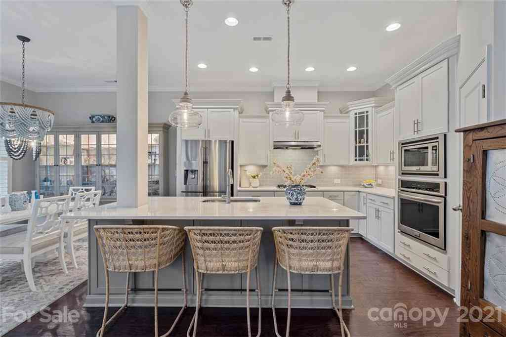 9110 Catherine Woods Place, Charlotte, NC, 28277,