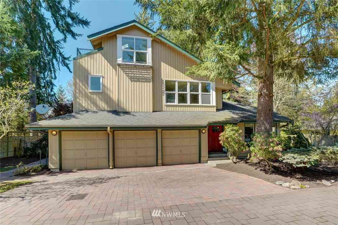12240 Densmore Ave North, Seattle, WA, 98133,