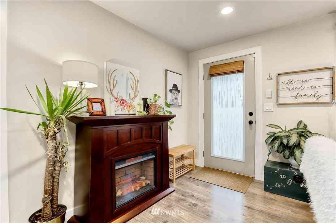 16736 Linden Avenue N, Shoreline, WA, 98133,
