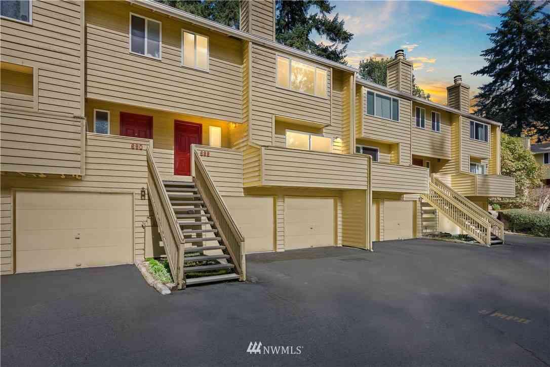 688 156TH Avenue NE #5, Bellevue, WA, 98007,