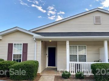 5211 Coves End Court, Charlotte, NC, 28269,