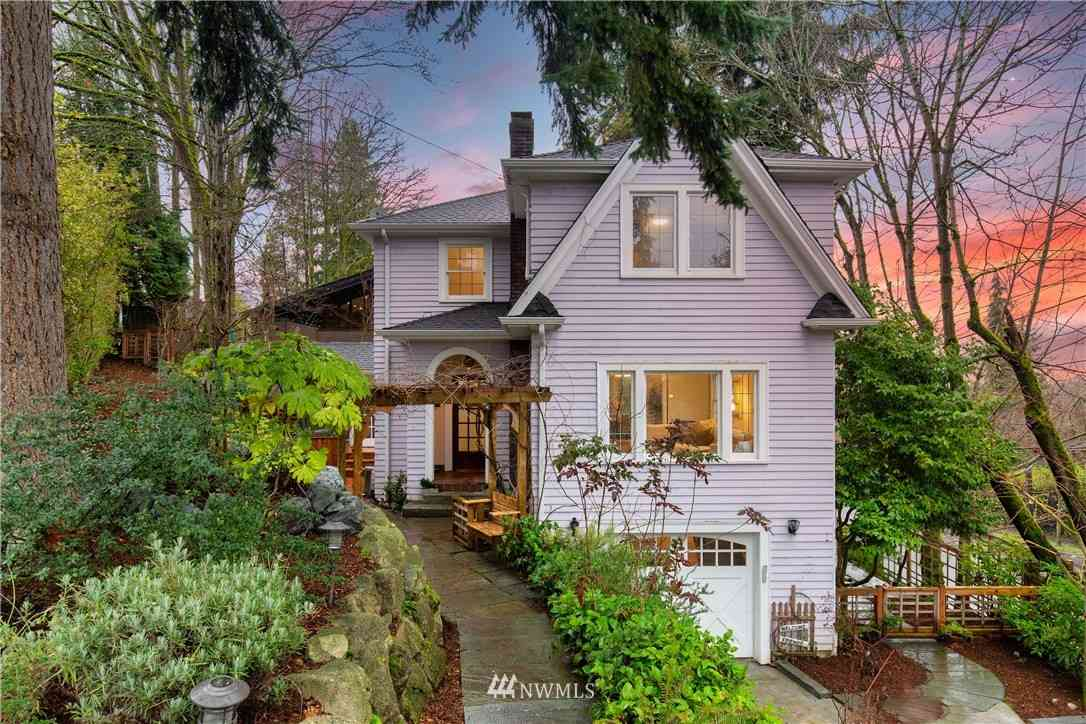 2238 E Crescent Drive, Seattle, WA, 98112,