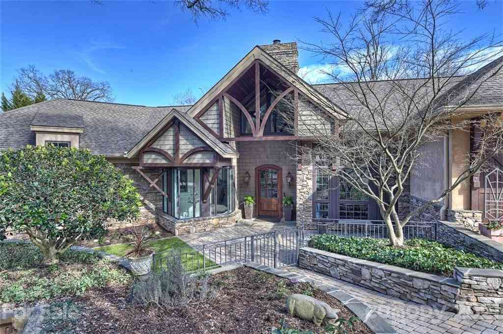2828 Briarcliff Place, Charlotte, NC, 28207,