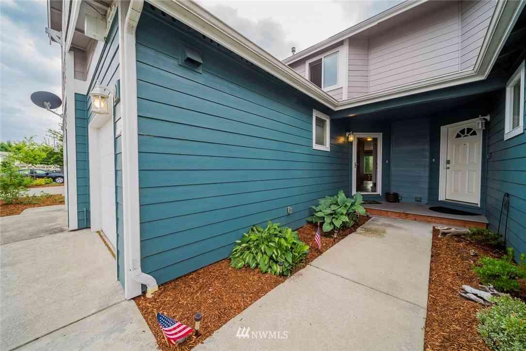 7805 Jensen Farm Lane #B2, Arlington, WA, 98223,
