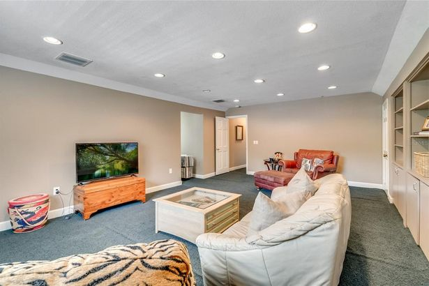 2500 FOREST CLUB DRIVE