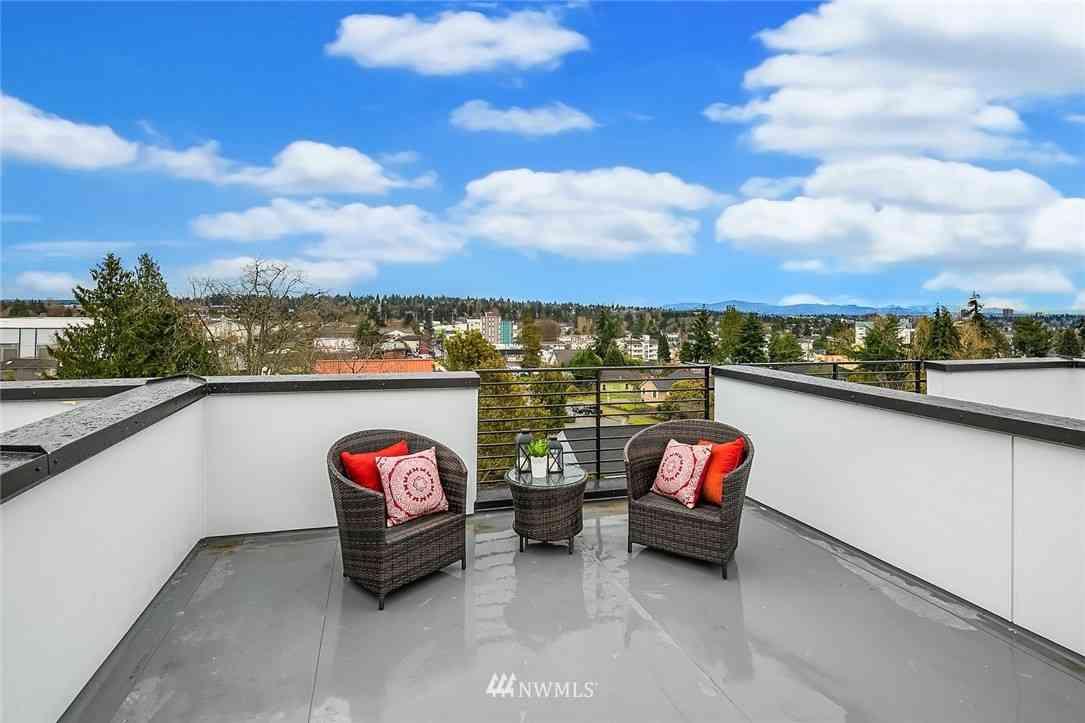 9201 Linden Avenue N #E, Seattle, WA, 98103,
